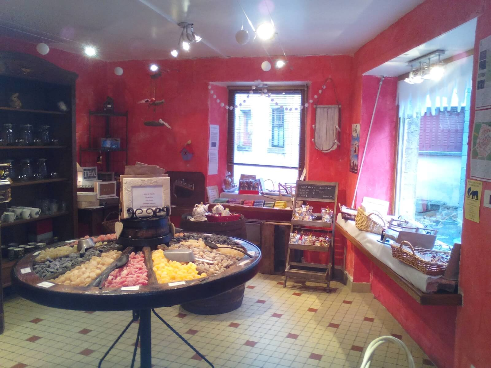 Candy store Saveurs Campagne Confiserie in Besse